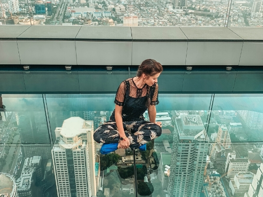 King Power Mahanakhon Skywalk: standing on a glass tray sticking out of a skyscraper in Bangkok